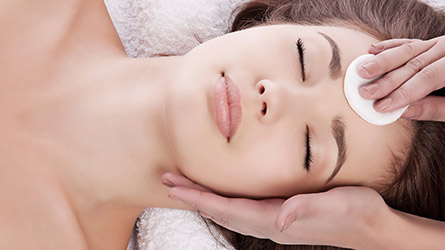 acne-clearing-facial